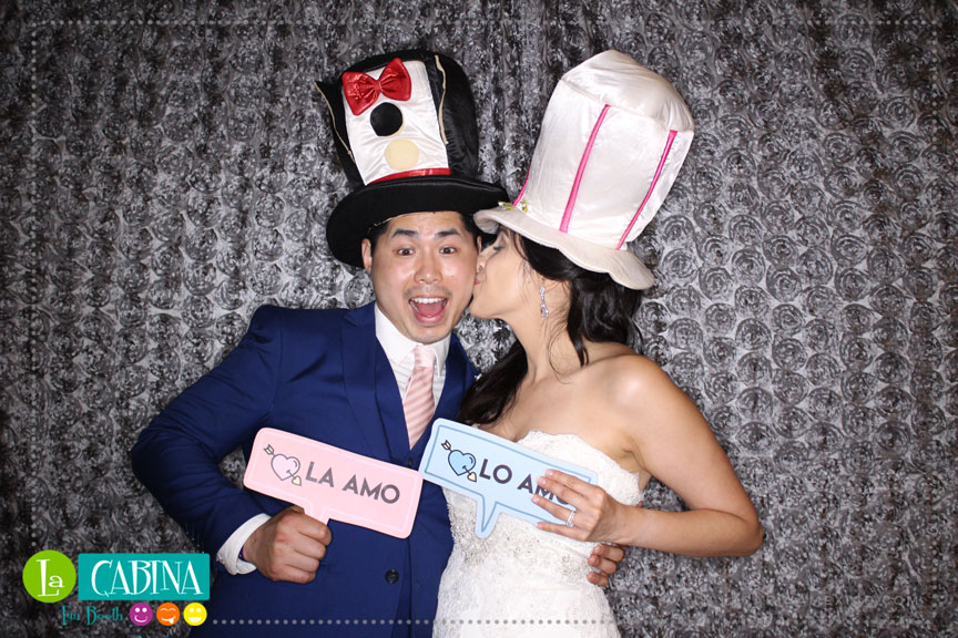 Photo booth Rental you and your guests will receive the very best photo booth experience in Cancun,Riviera Maya and Los Cabos